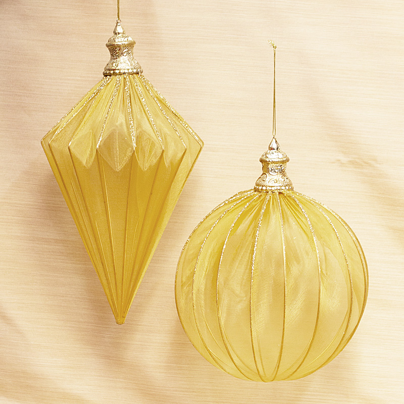 Elegant Hanging Gold Ornaments