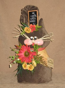 Brown Cat Door Stop with Gerber daisy - The Country shop