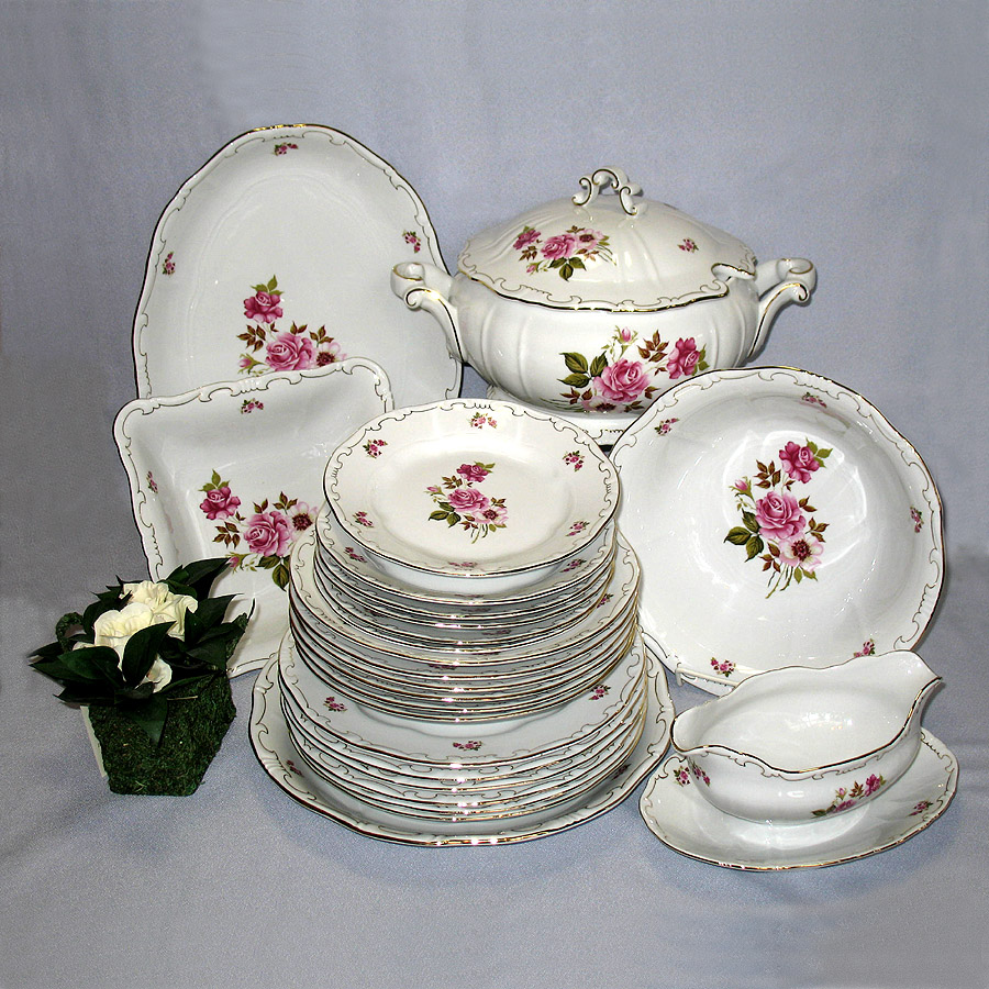 Red Rose Dinner Set Zsolnay Fine Porcelain