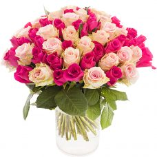 Enchanting Rose Blooms Striking Bouquet of Flowers