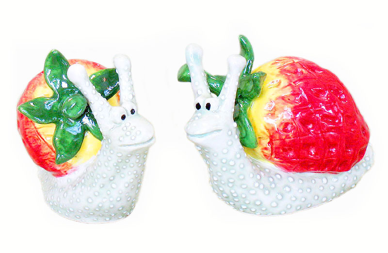 Decorative Salt and Pepper Shaker   Strawberry Snails  Isabelle u0026#39;s Dreams